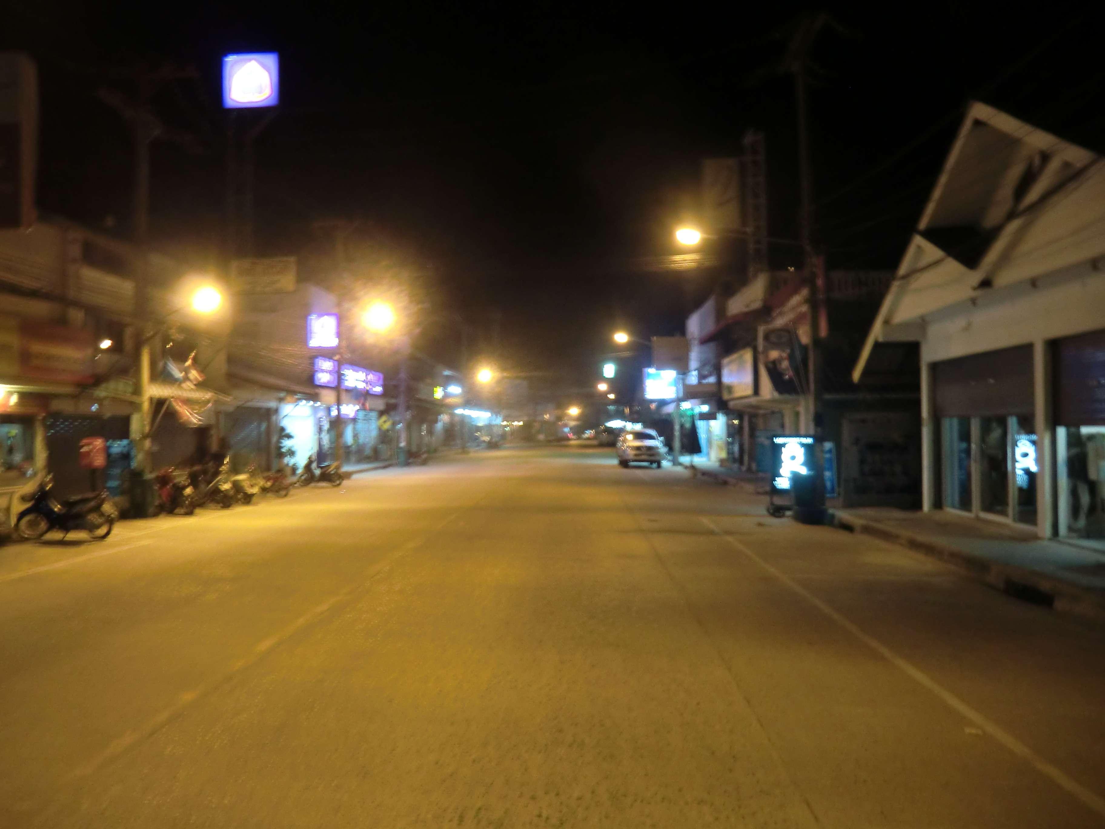 Abends um 22.00 Uhr in Thongsala